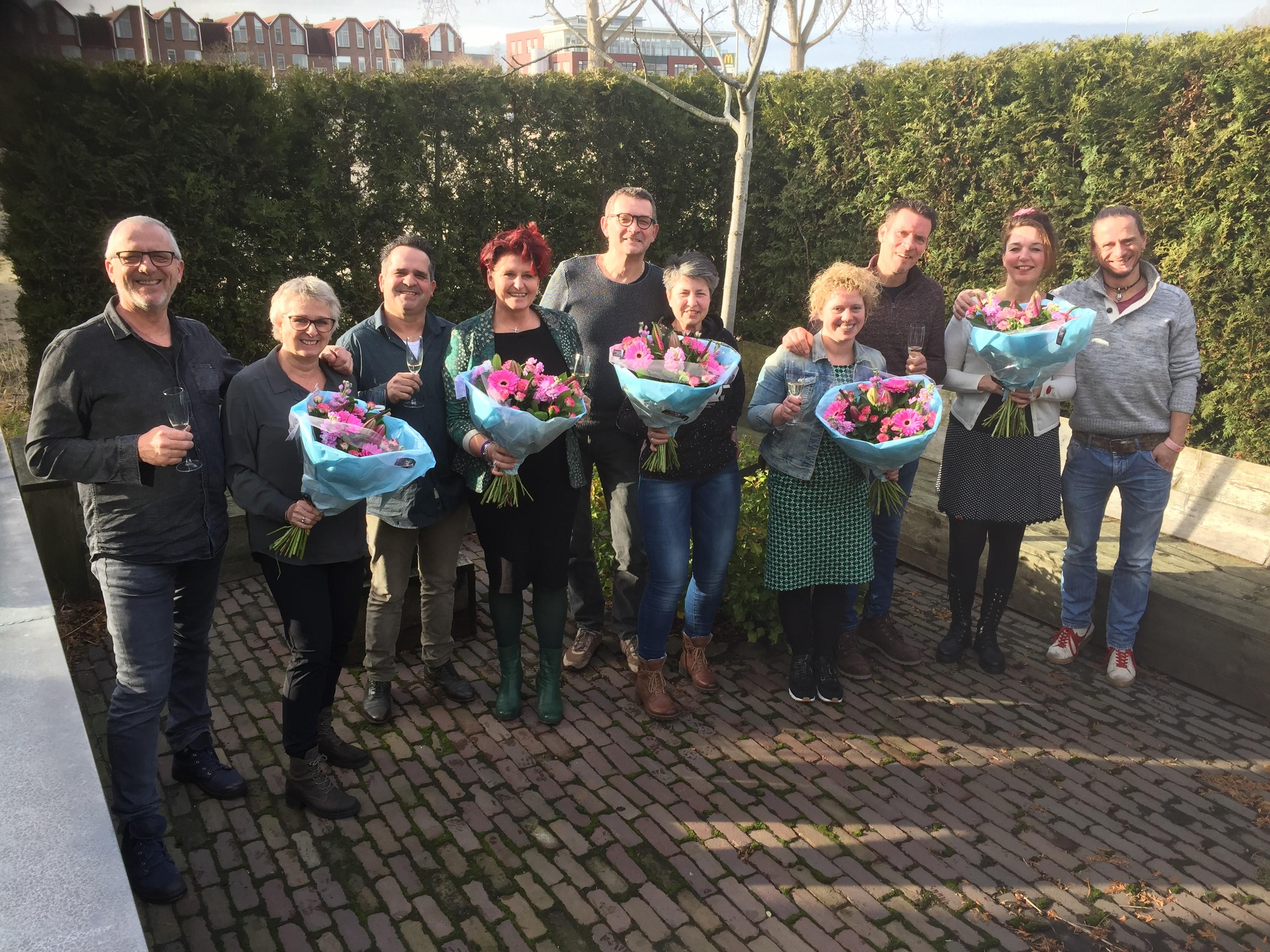 Contractverlengingen: feestje in 5 Thomashuizen