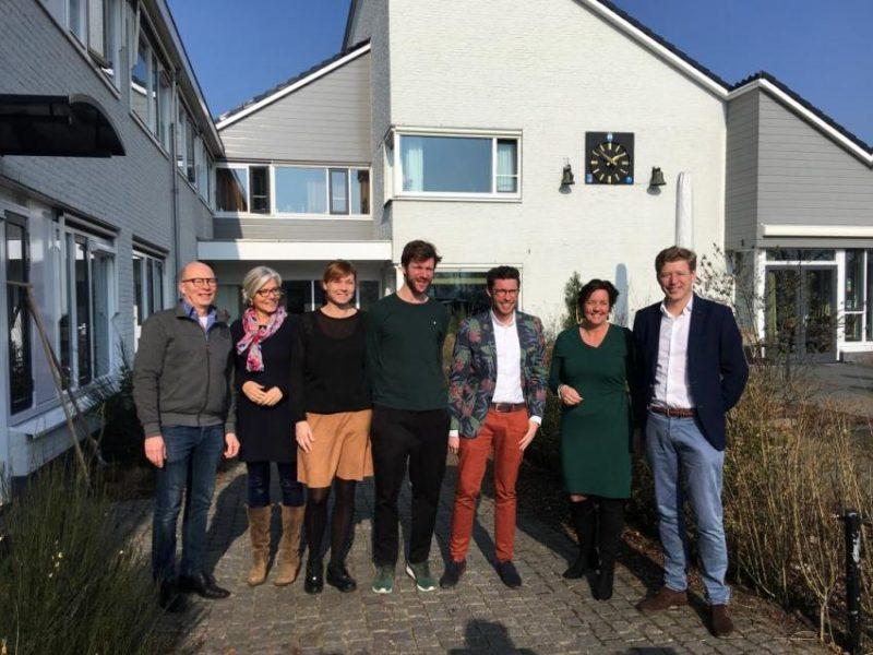 Staatssecretaris van Ark bezoekt Thomashuis en Herbergier Reeuwijk